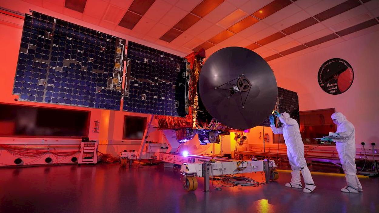 Gli Emirati Arabi Uniti lanciano la loro prima sonda verso Marte thumbnail