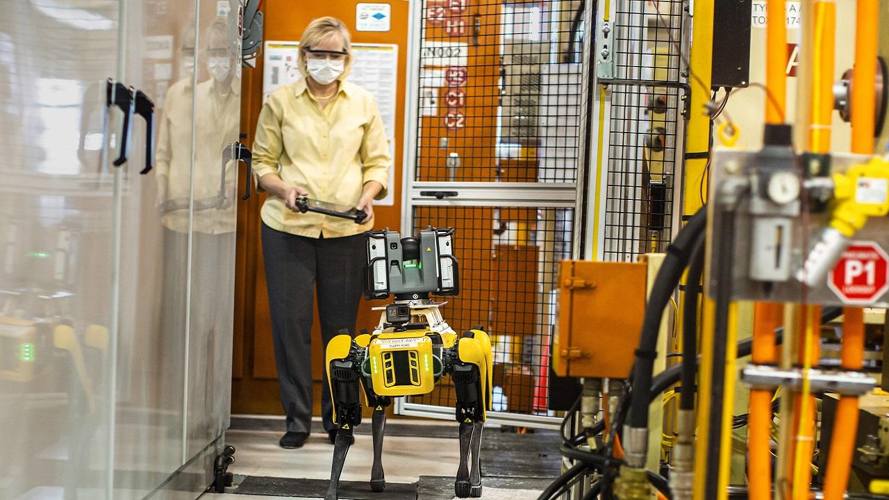 Ford utilizzerà dei robot a quattro zampe per ottimizzare la produzione thumbnail