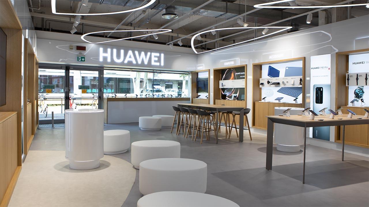 L'ecosistema Huawei nel Tech Village MediaWorld di Milano thumbnail