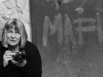 Letizia Battaglia shooting the mafia film