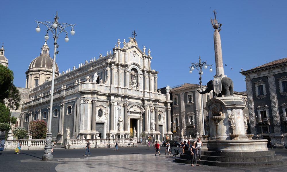 Smart Cities, Wi-Fi gratis in nove piazze di Catania grazie a Linkem thumbnail