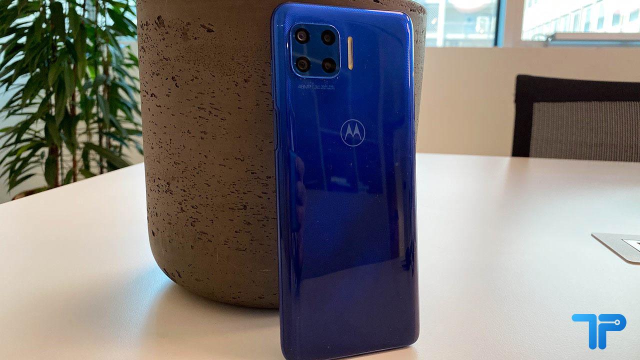 Motorola Moto G 5G Plus recensione design