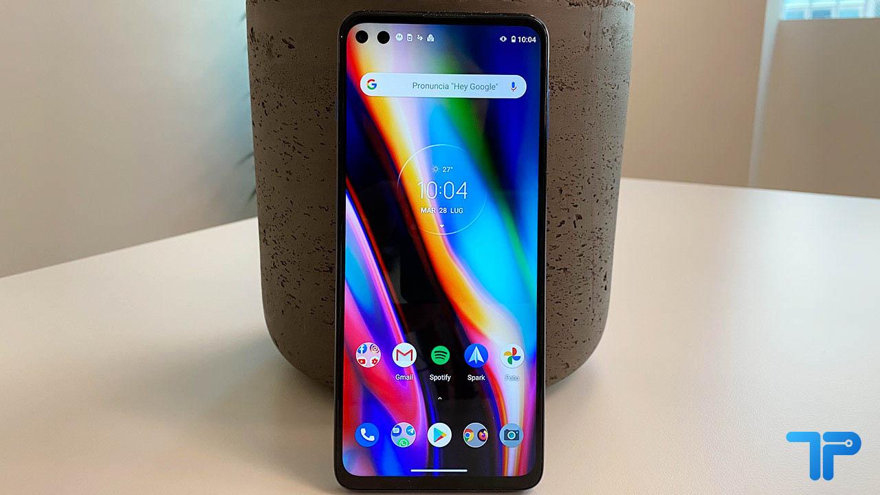 La recensione di Motorola Moto G 5G Plus, un medio di gamma competitivo thumbnail