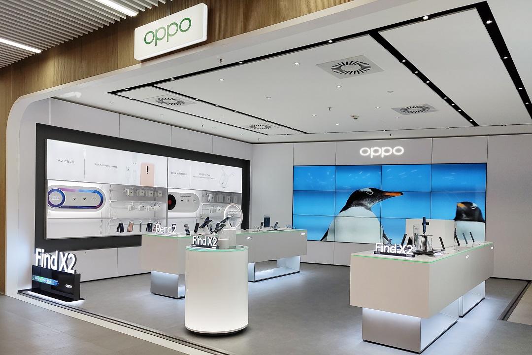 OPPO presenta il suo primo shop nel Tech Village di MediaWorld thumbnail