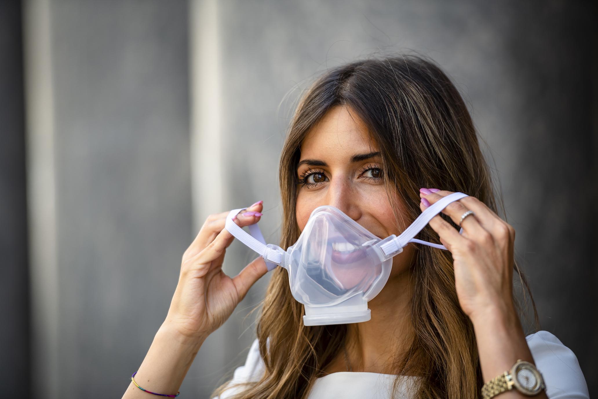 Respira, la mascherina in silicone che rispetta l'ambiente thumbnail