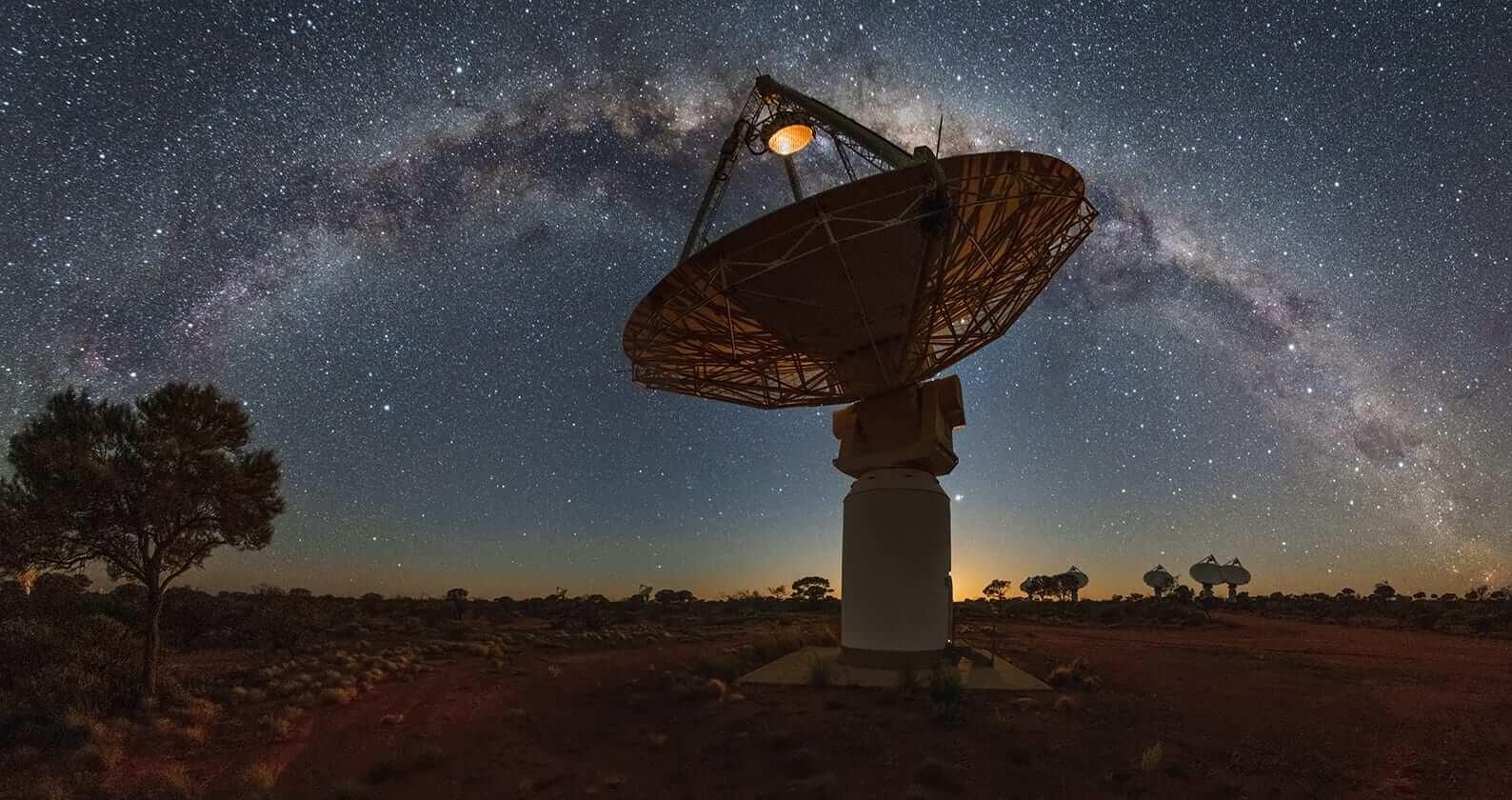 Misteriosi oggetti avvistati nello spazio, cosa saranno mai? thumbnail