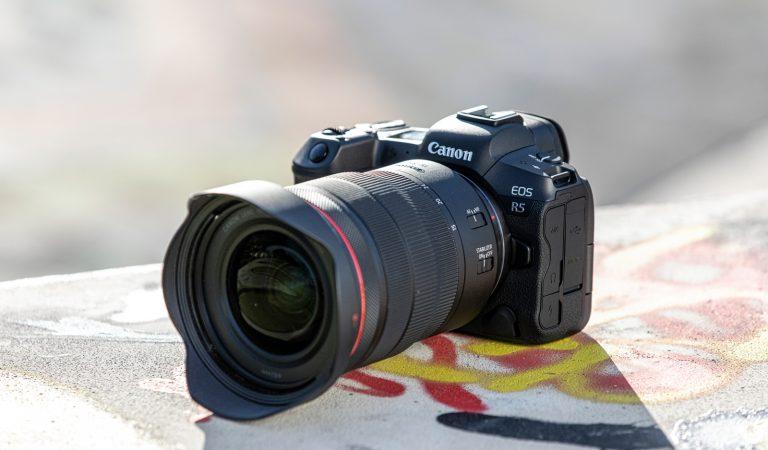EOS R5 e EOS R6: svelate le due nuove mirrorless di Canon