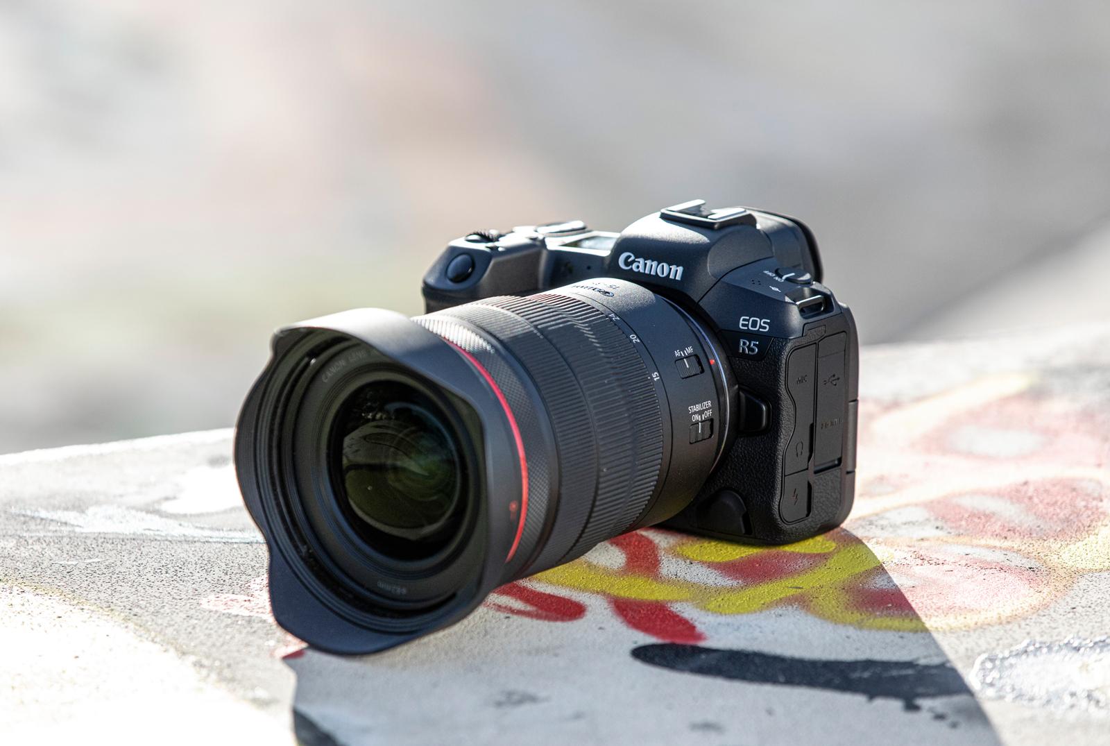 EOS R5 e EOS R6: svelate le due nuove mirrorless di Canon thumbnail