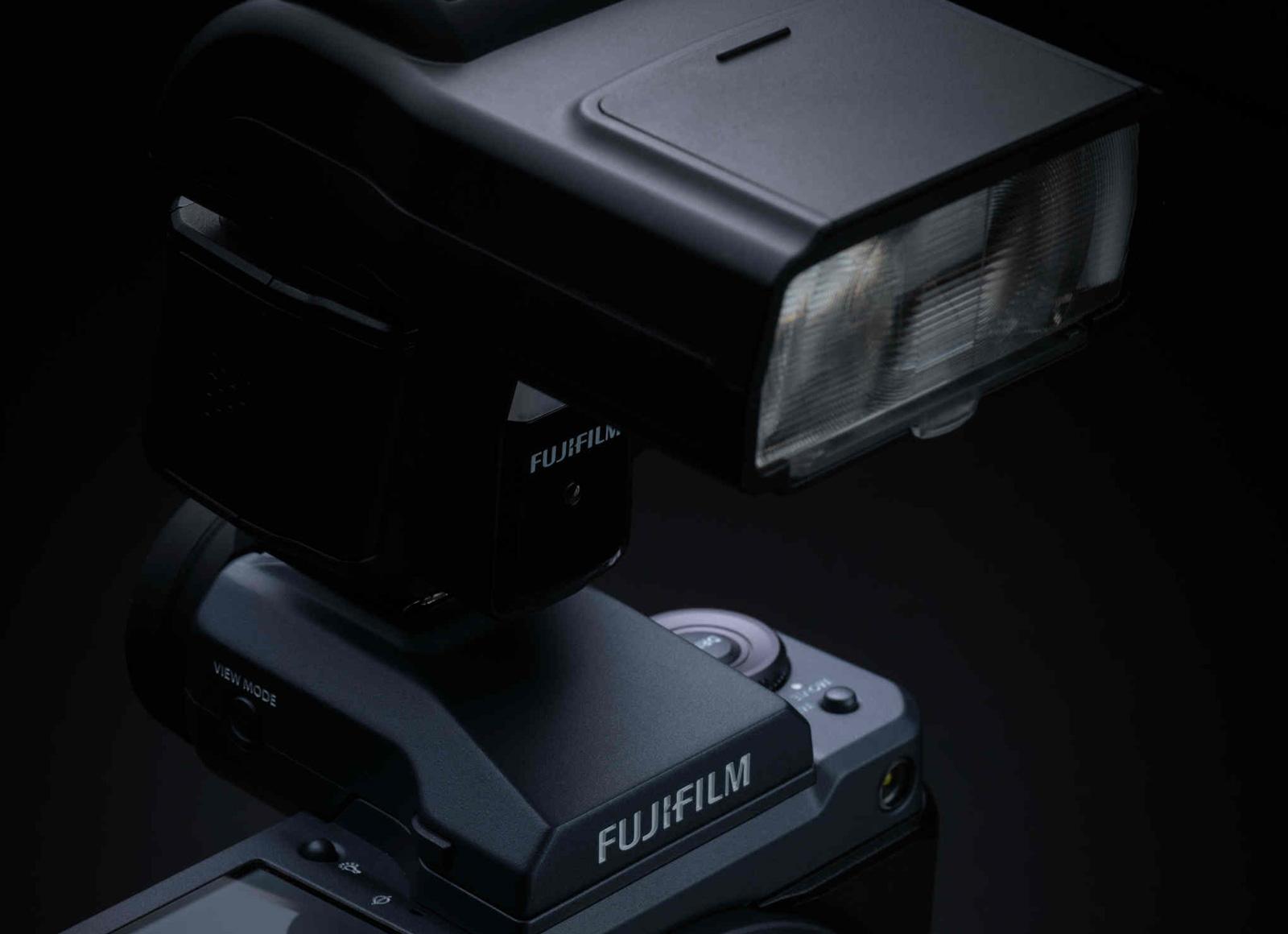 Nuovi accessori Fujifilm: presentati un flash e un commander Wi-Fi thumbnail