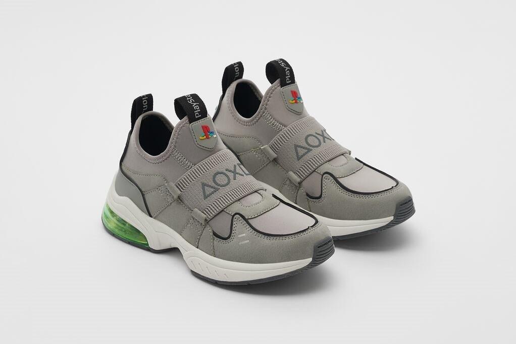Zara lancia le scarpe per bambini ispirate alla PlayStation 1 thumbnail