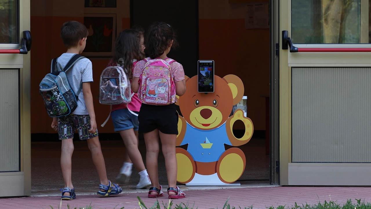 Gli orsetti misura-febbre per la scuola thumbnail