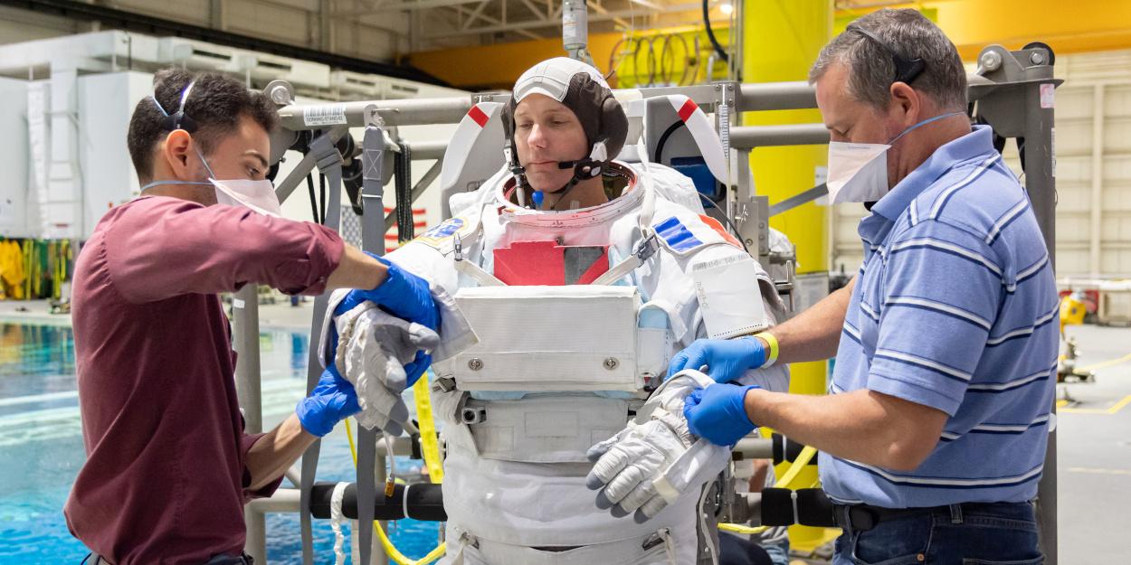Il primo europeo a volare su una Crew Dragon di SpaceX thumbnail