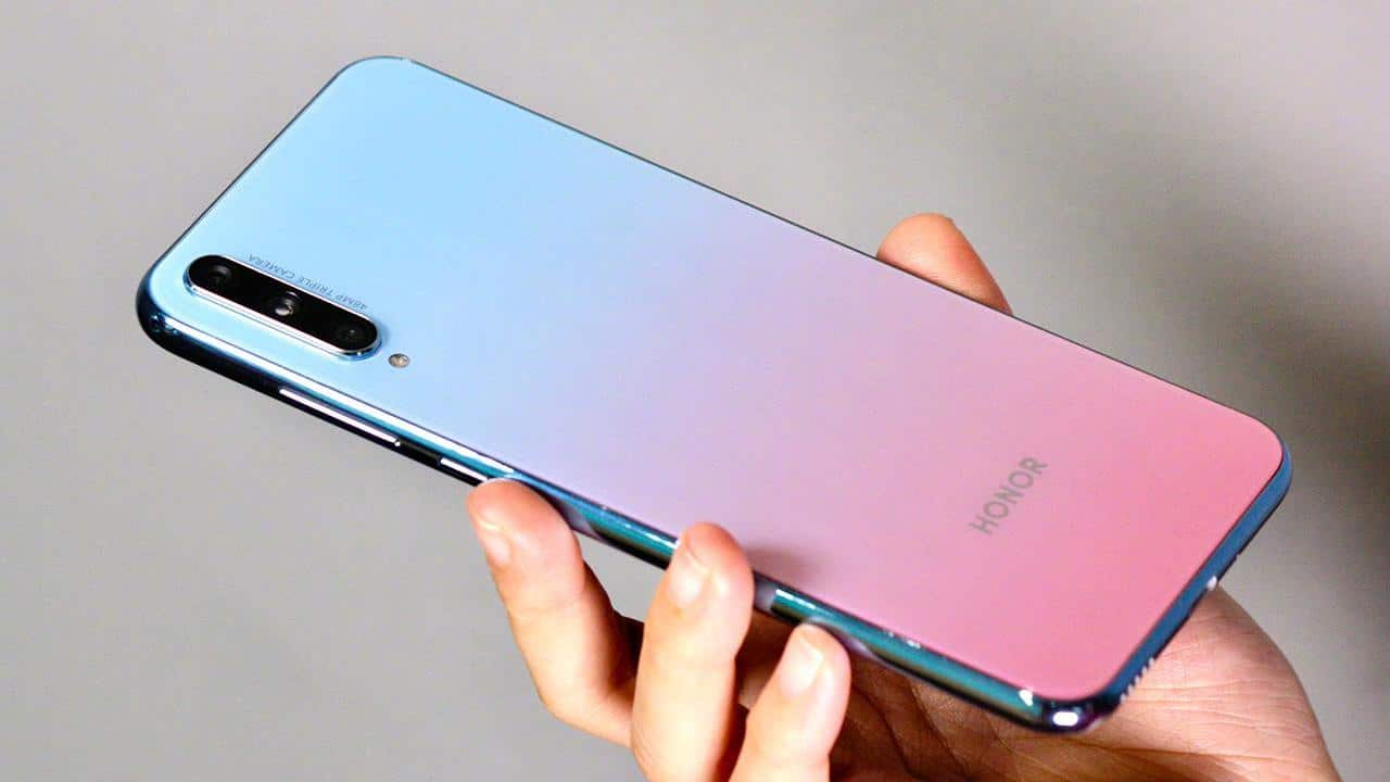 Huawei venderà il suo marchio Honor? thumbnail