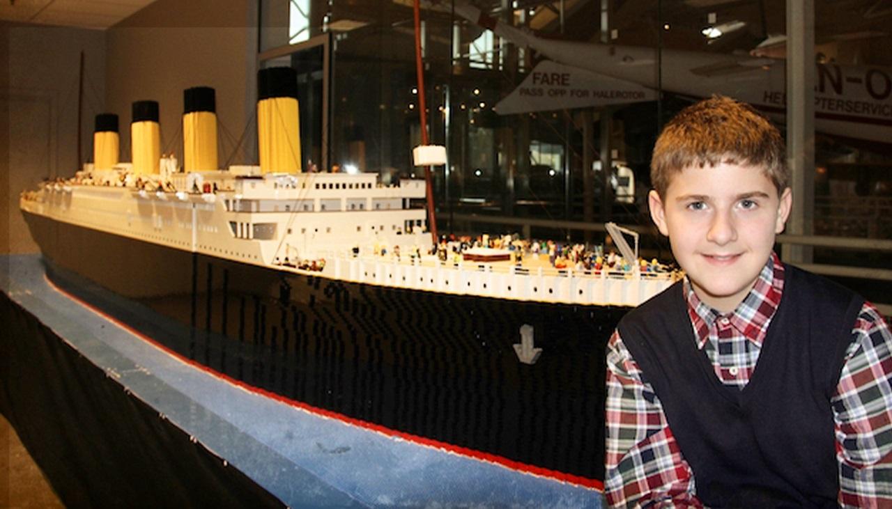 Il Titanic di LEGO realizzato da un ragazzo islandese è da record thumbnail