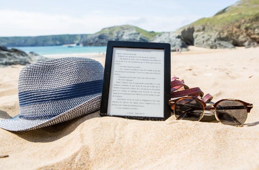 I migliori libri da portare in spiaggia sotto l'ombrellone thumbnail