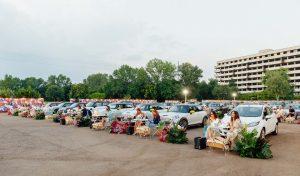 Tutti in MINI al Drive-in insieme a Blumarine MINI ha supportato l'evento creato da Tempo per il lancio della collezione speciale di box fazzoletti realizzati in collaborazione con Blumarine