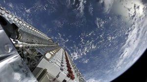 La connessione internet satellitare di Starlink costa 99 dollari al mese  Annunciati i prezzi per la connettività del progetto di SpaceX e lanciate le app per iOS e Android