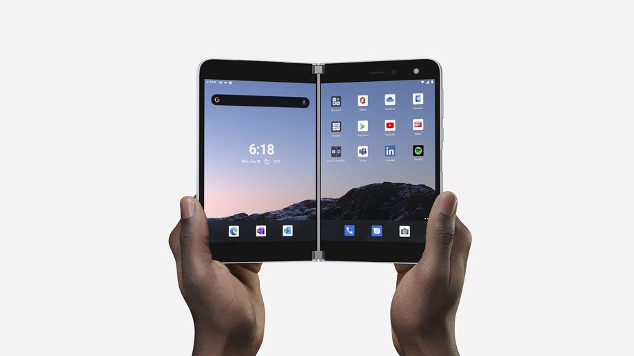 Surface Duo, Microsoft racconta il prodotto in un video di oltre 30 minuti thumbnail
