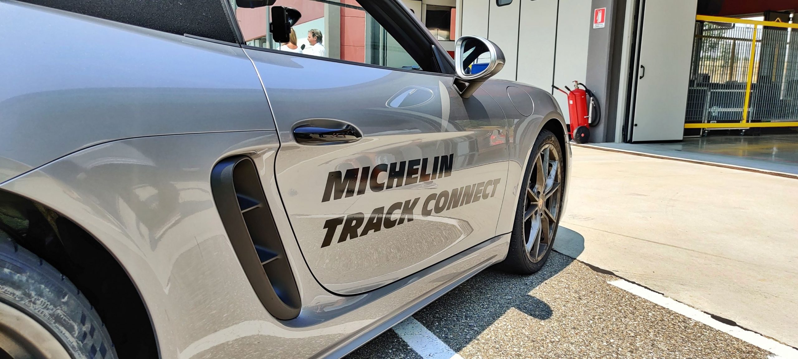 MICHELIN-Pilot Sport Cup 2 CONNECT track connect su 718