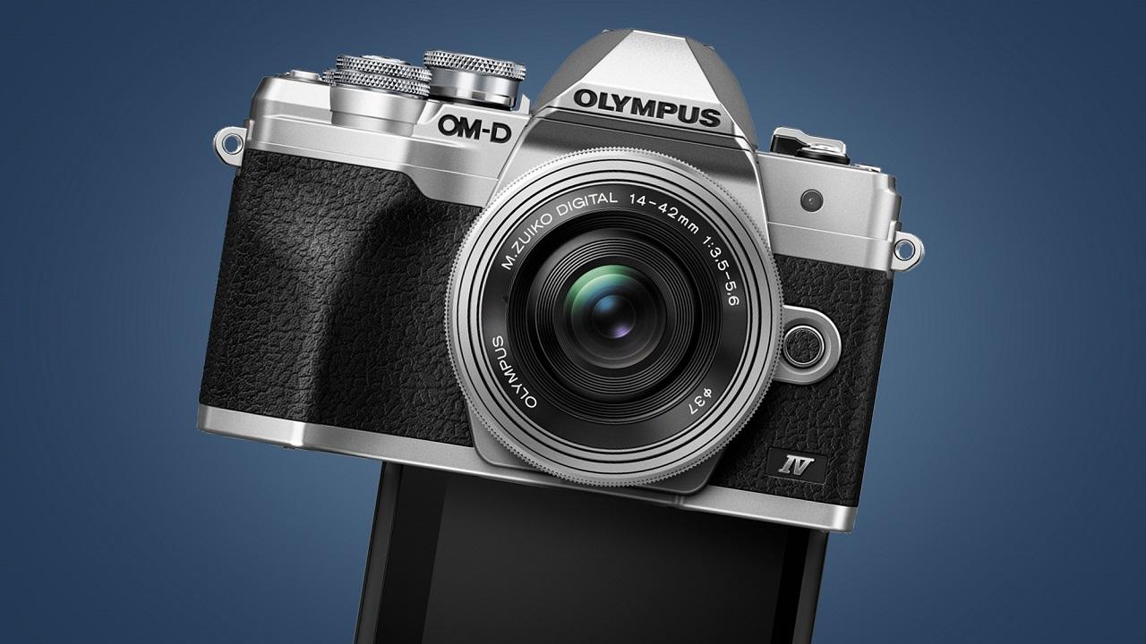 Novità in arrivo in casa Olympus, un nuovo obiettivo e una fotocamera thumbnail