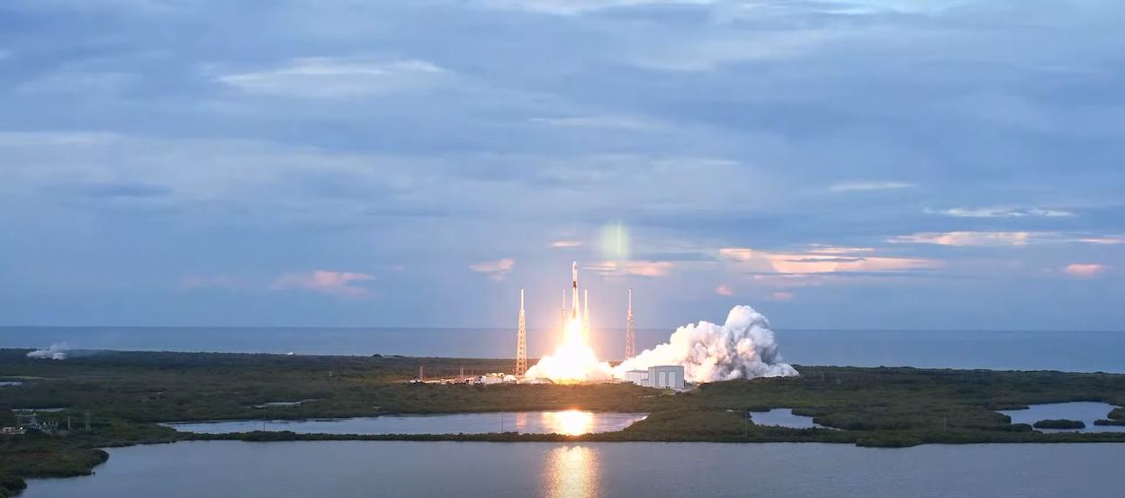 Orbitando verso sud: SpaceX riconquista una rotta spaziale perduta thumbnail