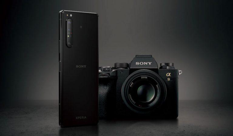 Sony Xperia 1 II: smartphone o mirrorless?