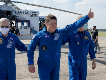 astronauti NASA SpaceX crew Dragon
