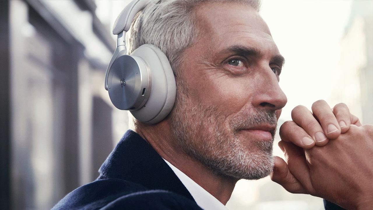 Le nuove cuffie Bang & Olufsen uniscono innovazione ed eleganza thumbnail