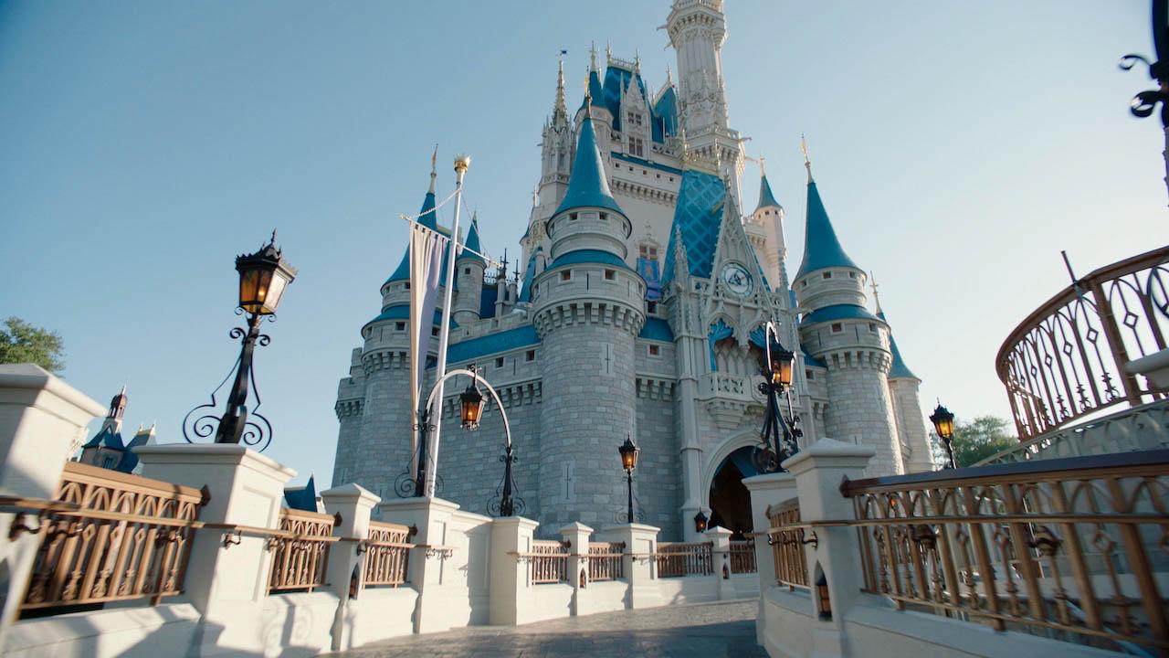 Disney World ridurrà i suoi orari thumbnail