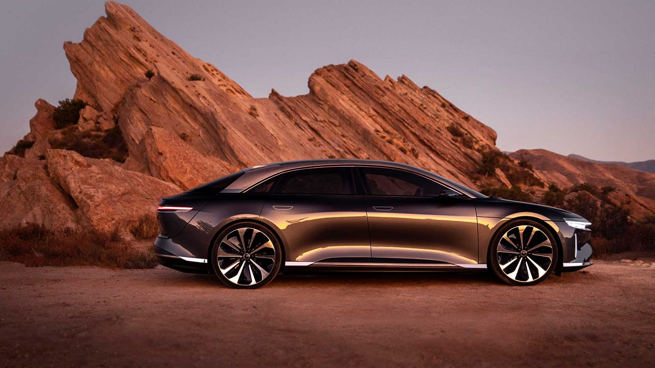 Lucid Motors sfida Tesla con una ricarica super veloce thumbnail