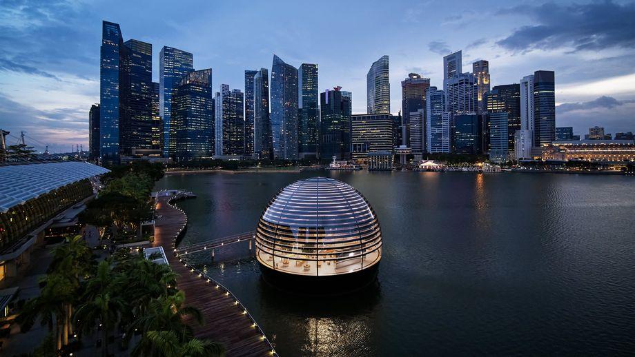 Apple apre il primo store galleggiante a Singapore thumbnail