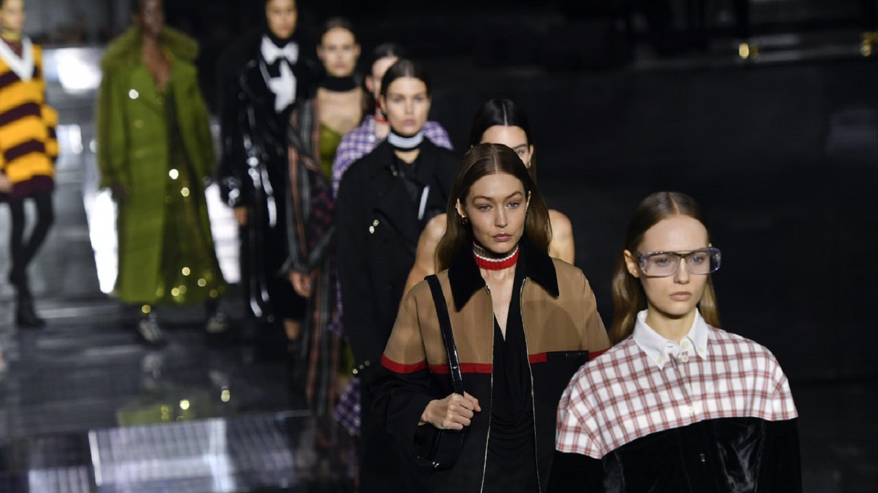 Burberry è il primo fashion luxury brand a collaborare con Twitch thumbnail