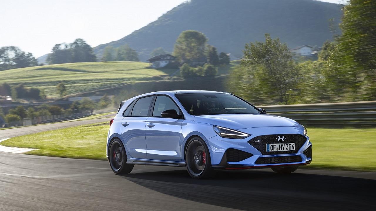 Nuova Hyundai i30 N è ufficiale, più potenza e divertimento alla guida thumbnail