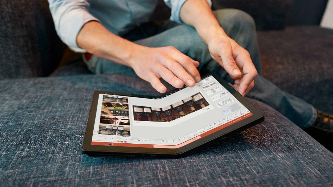Lenovo presenta il nuovo Thinkpad X1 Fold, il primo laptop pieghevole thumbnail