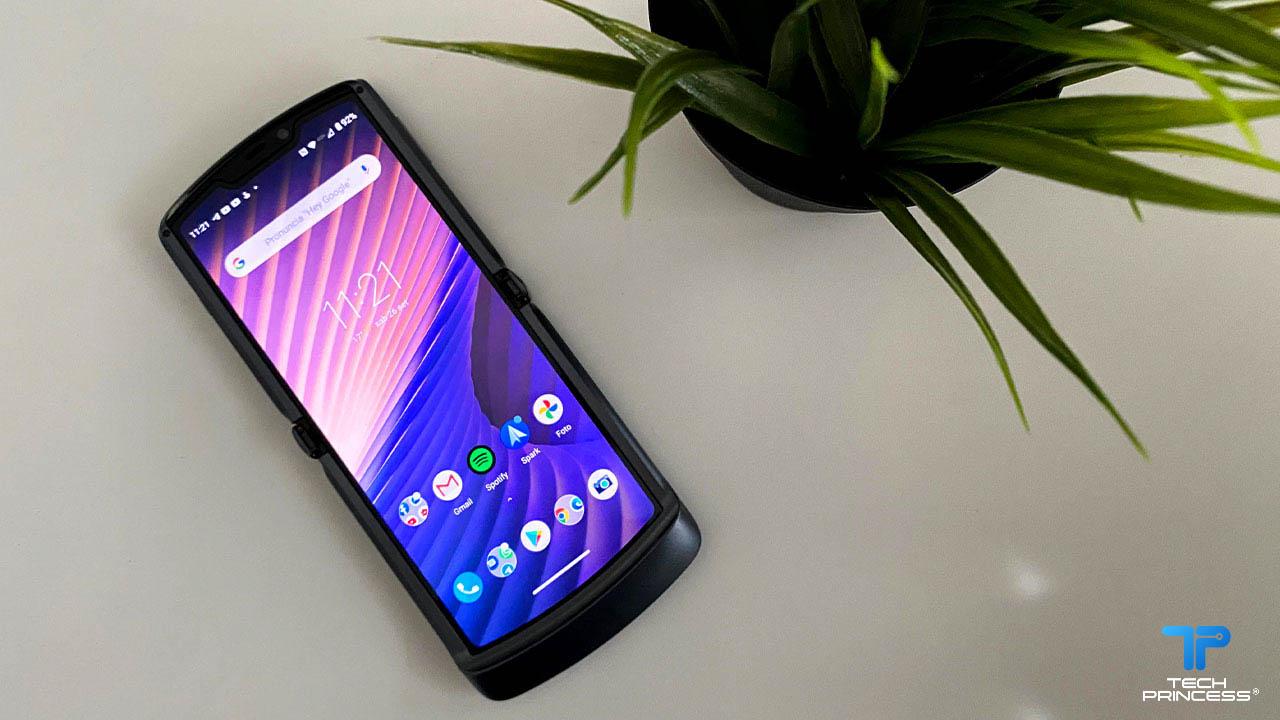 La recensione di Motorola Razr 5G. Un gesto che ci era mancato thumbnail