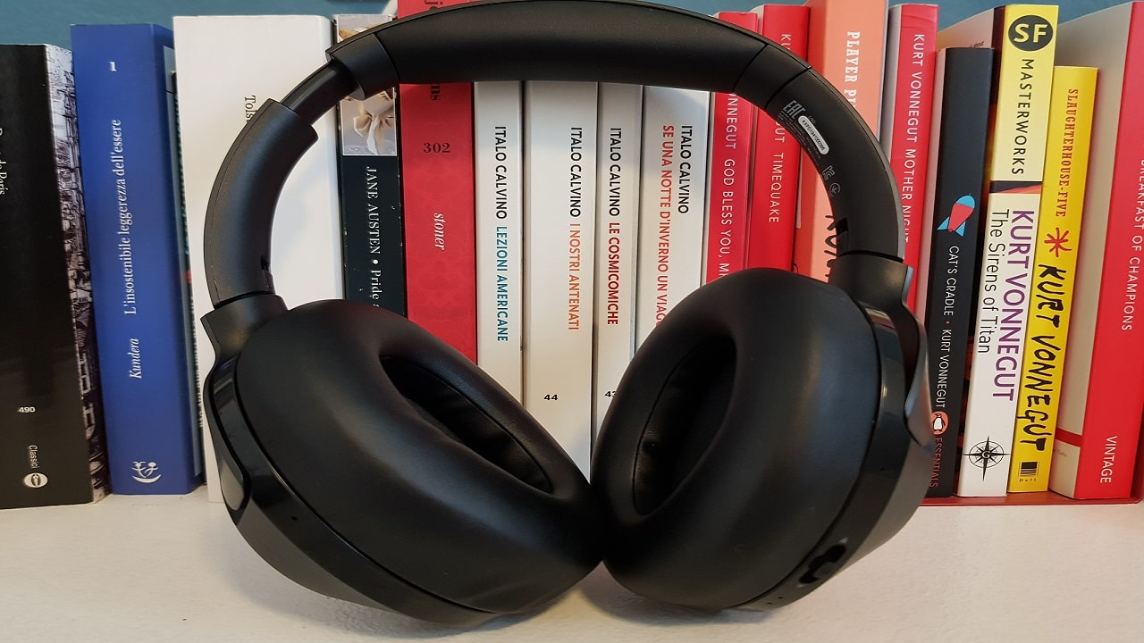 Recensione Philips PH805: look semplice, qualità audio ottima thumbnail