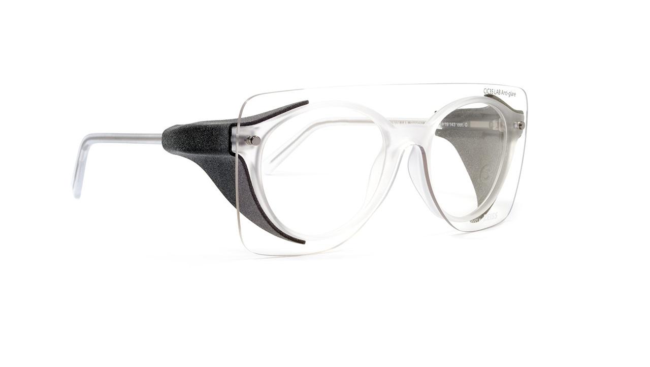 Elmec 3D, SNOB Milano e ZEISS creano un kit antibatterico per gli occhiali thumbnail