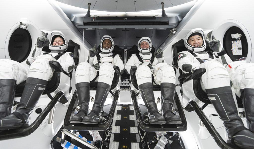 SpaceX Halloween NASA lancio copertina