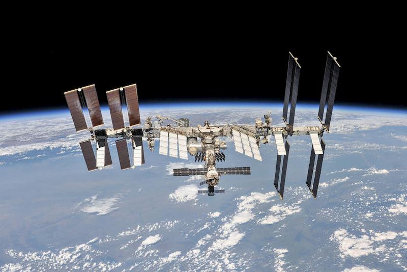 Stazione Spaziale Internazionale Tom Cruise NASA SpaceX