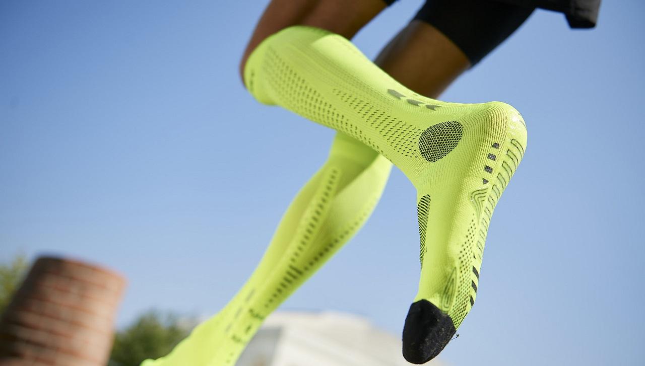 FLOKY presenta la nuova calza tecnica RUN UP che rivoluziona il running thumbnail