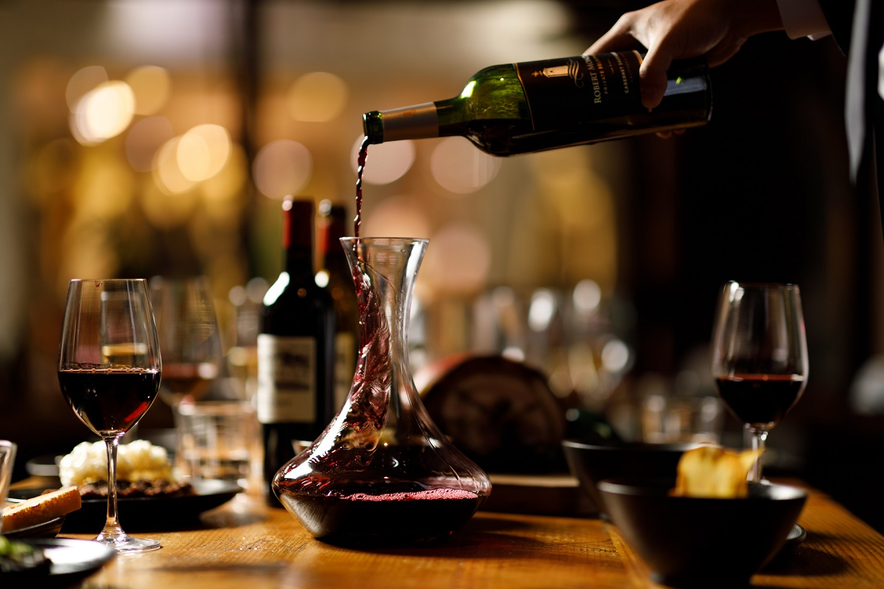 cantinette vino versato