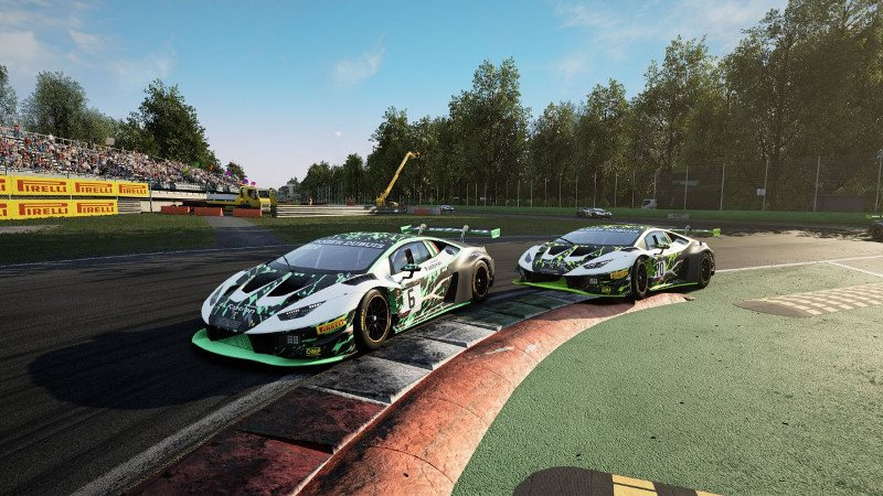 Lamborghini sbarca nel mondo degli eSports: Nils Naujoks è il primo campione di The Real Race thumbnail