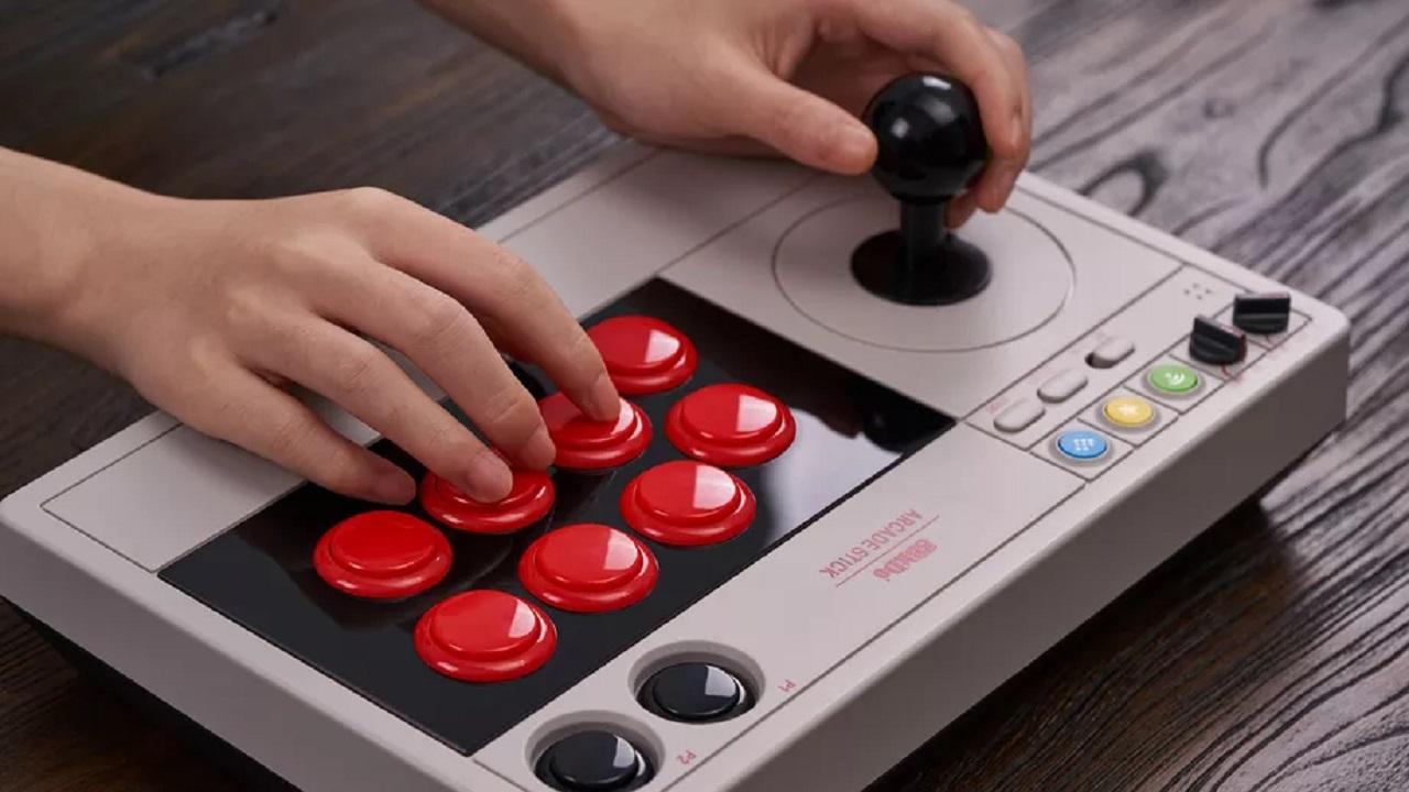 Un nuovo stick arcade per PC e Nintendo Switch thumbnail
