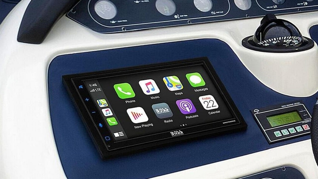 Android Auto e Apple CarPlay fra le onde thumbnail