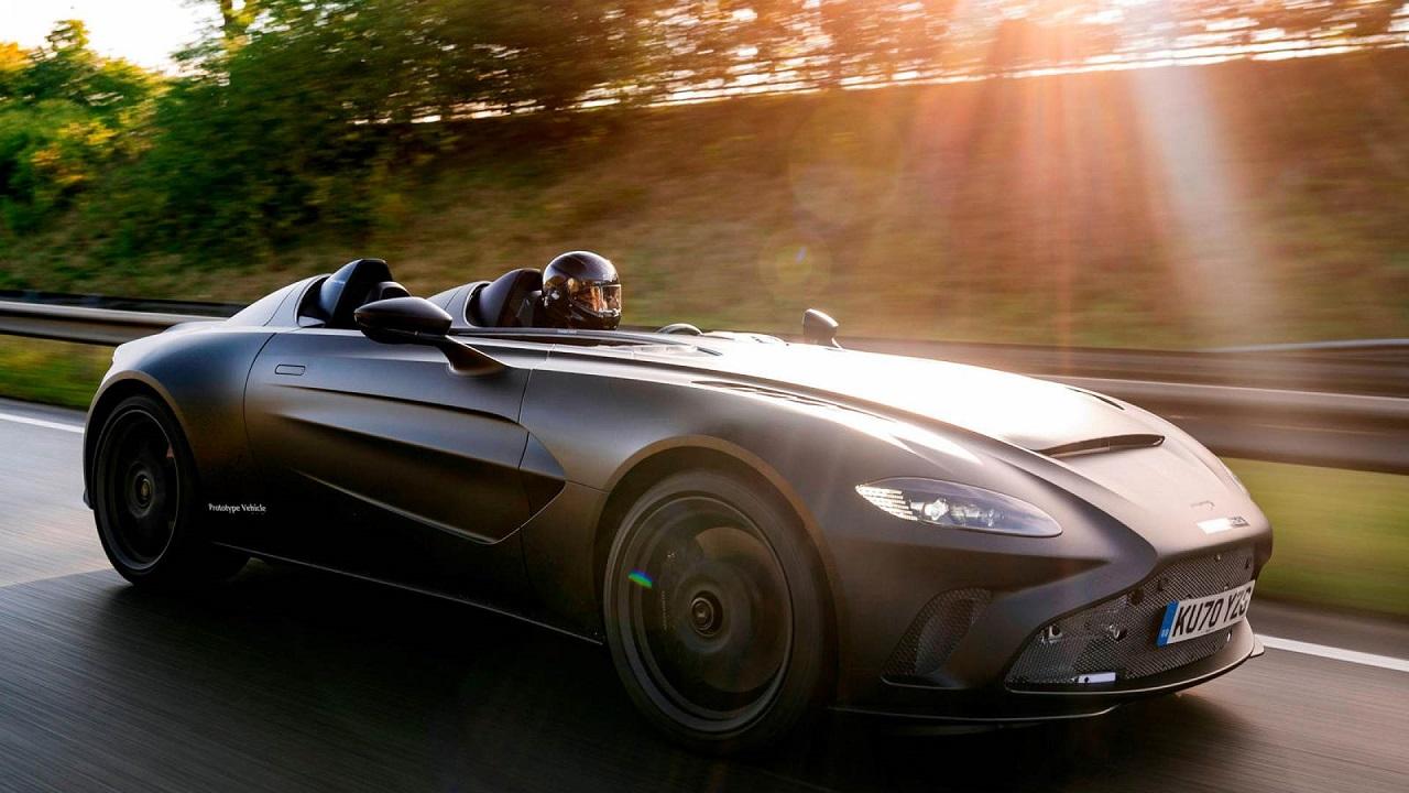 Aston Martin V12 Speedster: debutto più vicino per la nuova supercar thumbnail
