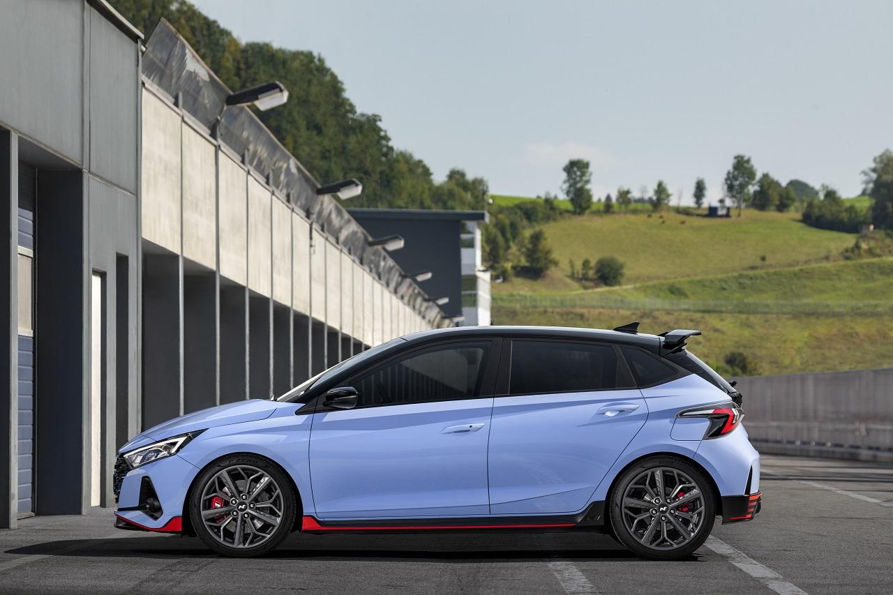 Hyundai i20 N 2021 laterale