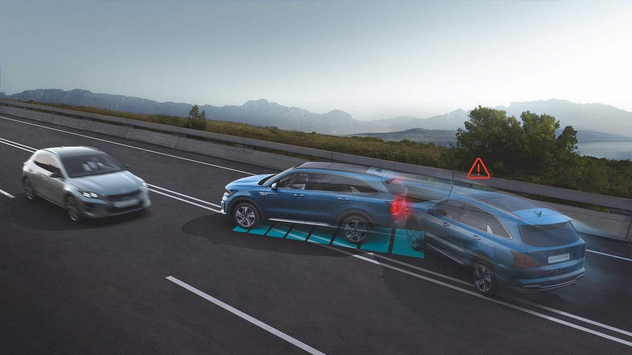 Nuovo Kia Sorento: tra le novità anche il sistema di frenata anti collisione thumbnail
