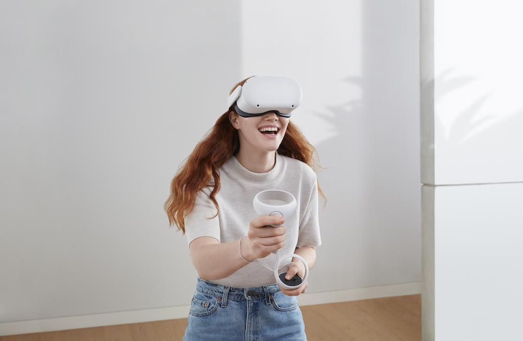 Il visore Oculus Quest 2 di Facebook arriva ufficialmente sul mercato thumbnail