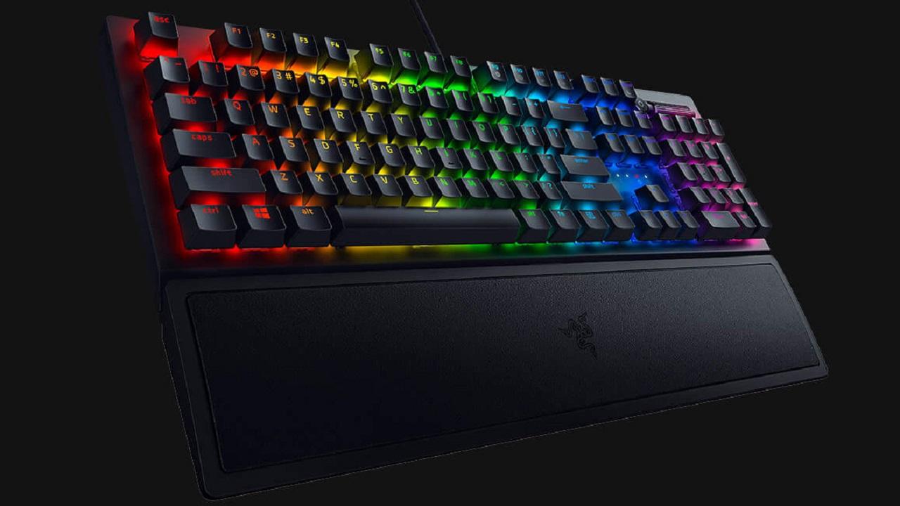 L'iconica tastiera Razer BlackWidow V3 ritorna con tante novità thumbnail