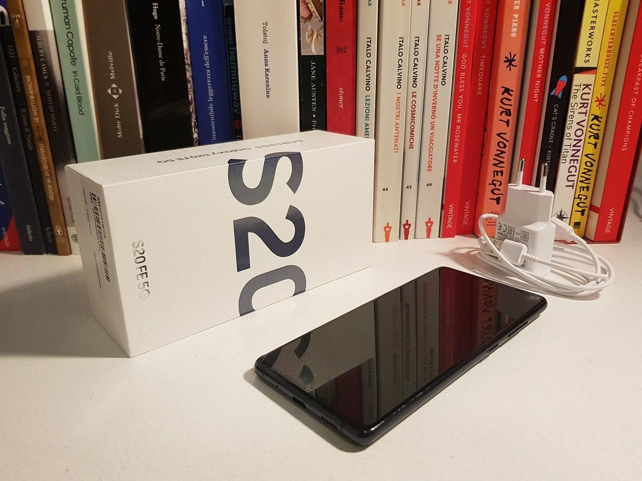 Samsung Galaxy S20 FE caratteristiche-min